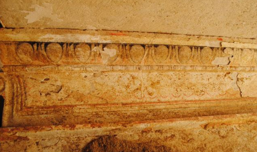 Amphipolis - first chamber wall detail