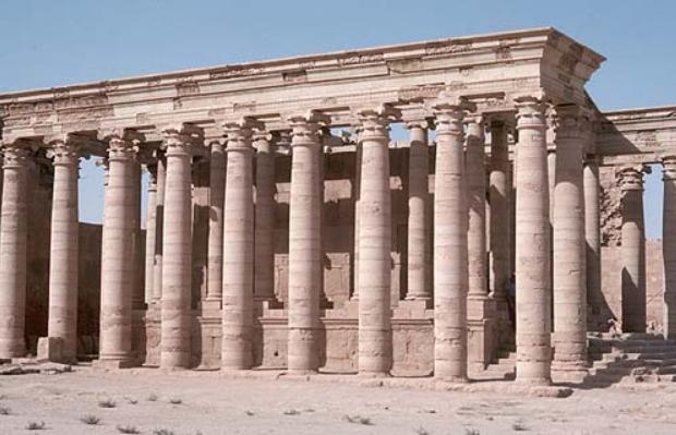 Hatra columns