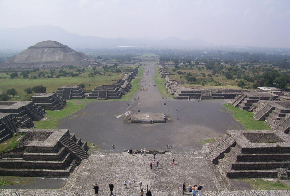 Teotihuacan - Pyramids of the Sun and Moon